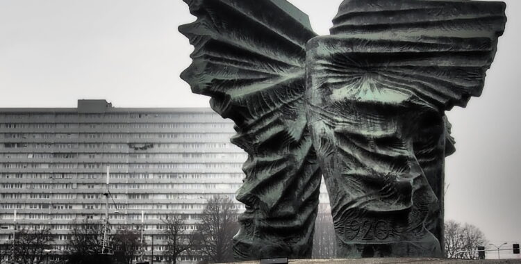 Luca Palmarini - Pianeta Est - Katowice: l'albedo del carbone e del vetro